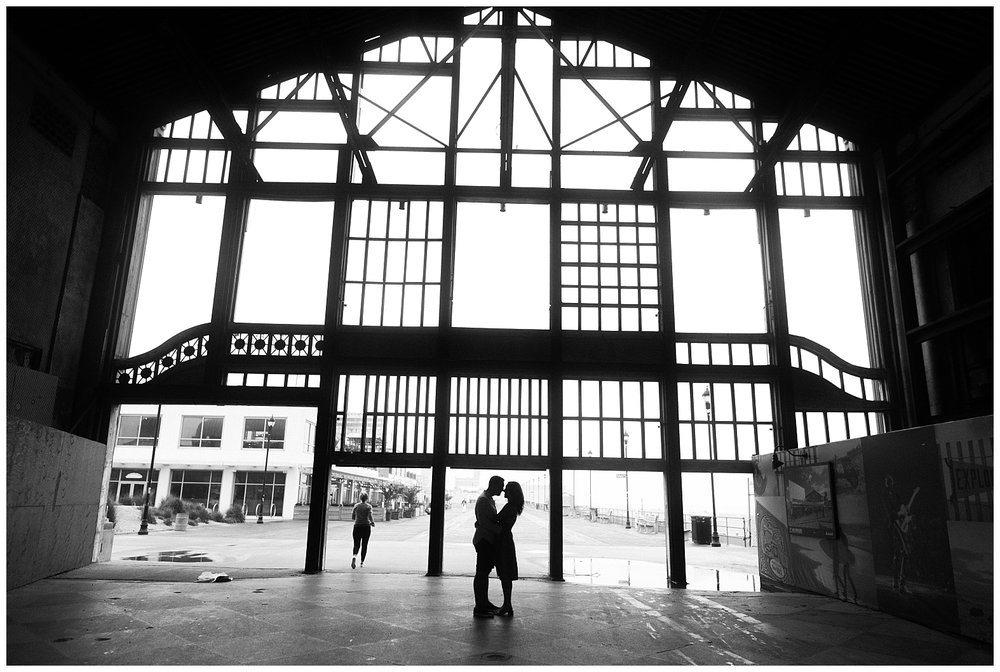 Asbury-Park-Engagement-Session-Rainy-Boardwalk-Photo_0031.jpg