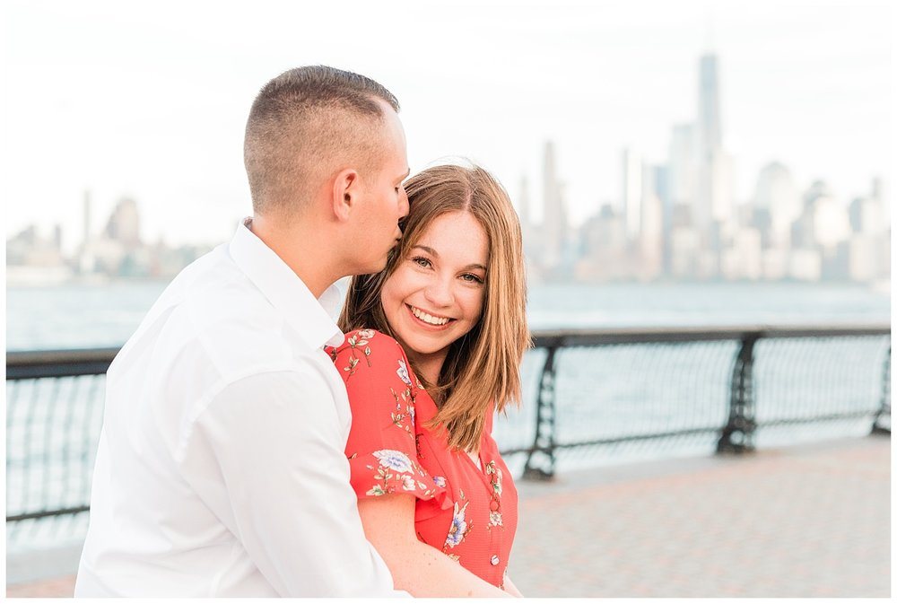 Hoboken-Waterfront-Engagement-Session-City-Photo_0003.jpg
