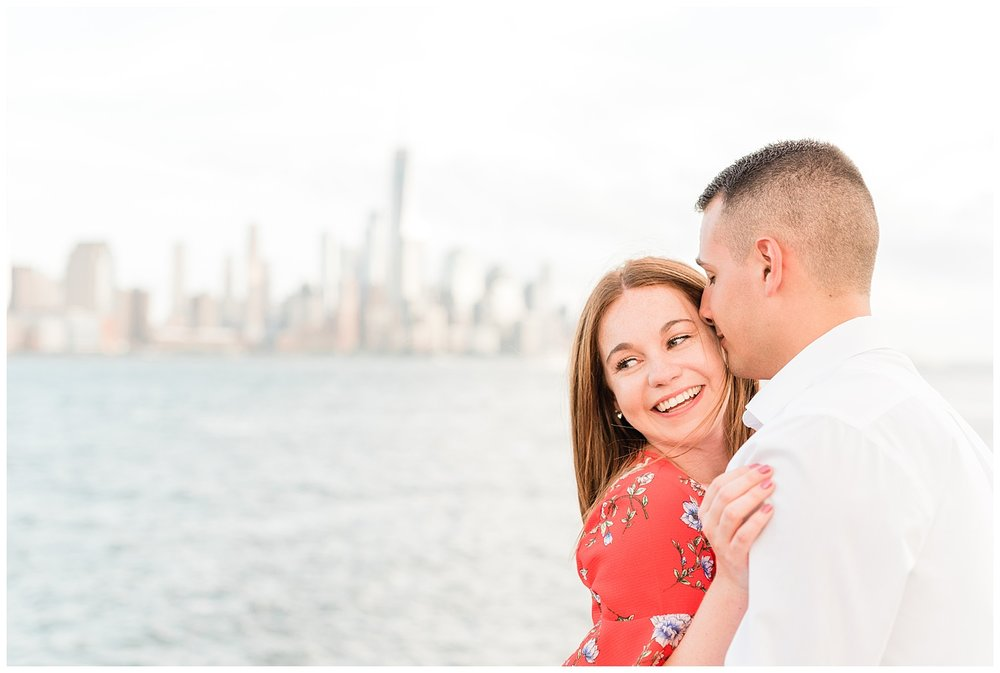 Hoboken-Waterfront-Engagement-Session-City-Photo_0006.jpg