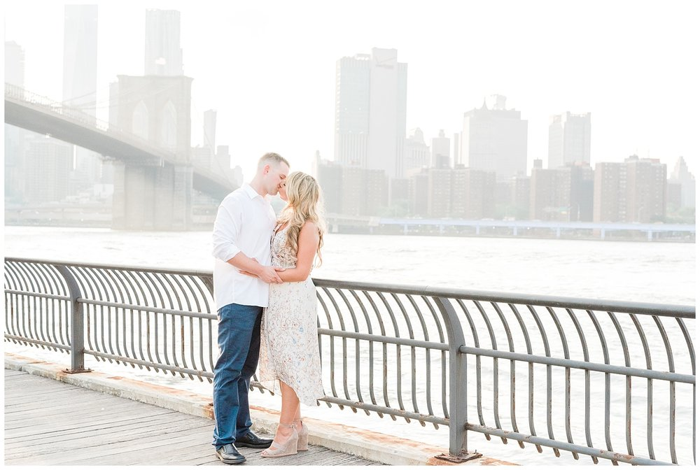 Brooklyn-Bridge-NY-Engagement-Session-Photo-_0054.jpg