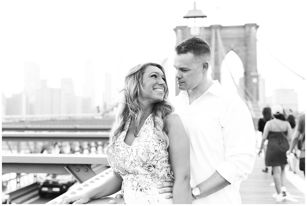 Brooklyn-Bridge-NY-Engagement-Session-Photo-_0058.jpg