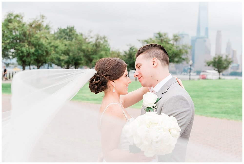 Maritime-Parc-Jersey-City-NJ-Skyline-Wedding-Photo_0100.jpg