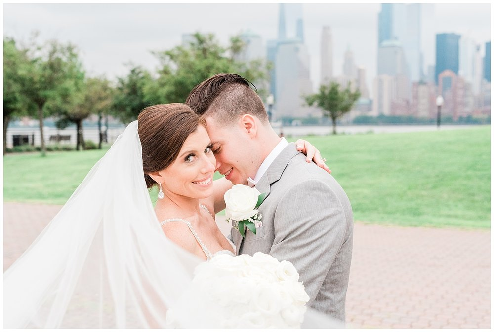 Maritime-Parc-Jersey-City-NJ-Skyline-Wedding-Photo_0108.jpg