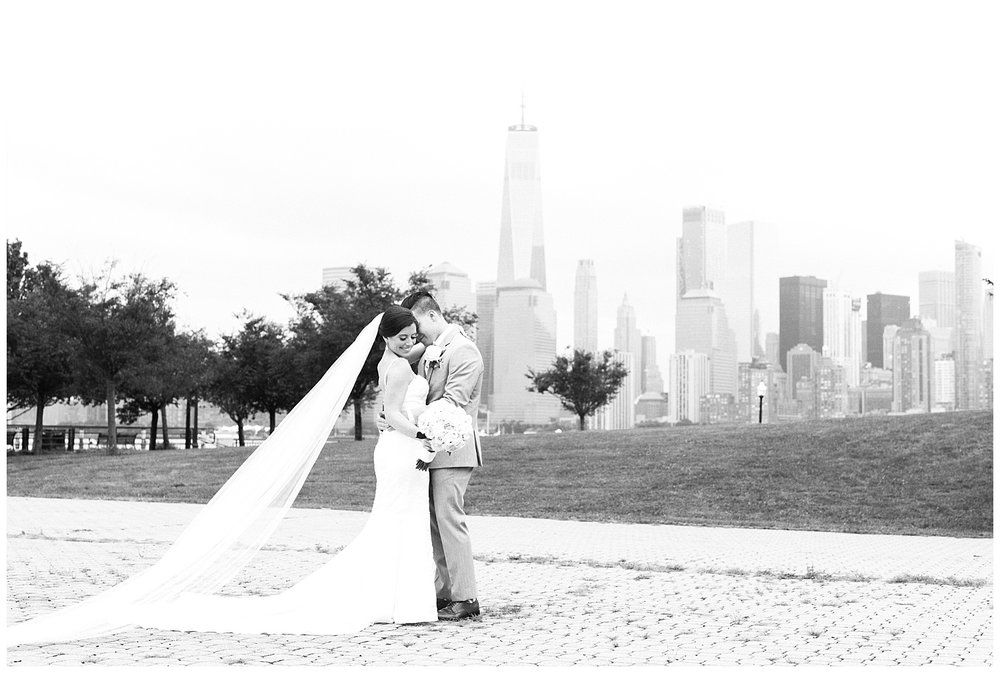 Maritime-Parc-Jersey-City-NJ-Skyline-Wedding-Photo_0128.jpg