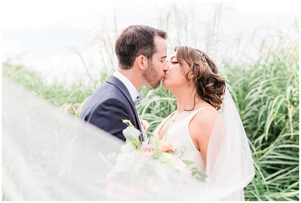 Indian-Trail-Club-Franklin-Lakes-NJ-Summer-Stylish-Wedding-Photographer-Photo-_0096.jpg