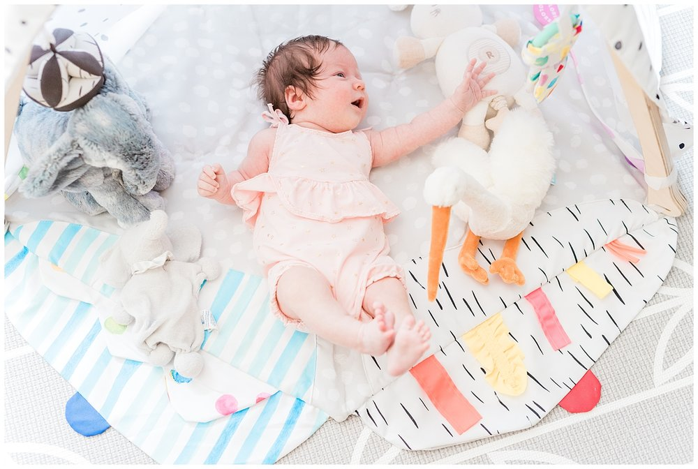 nj-newborn-family-at-home-session-baby-photo-_0005.jpg