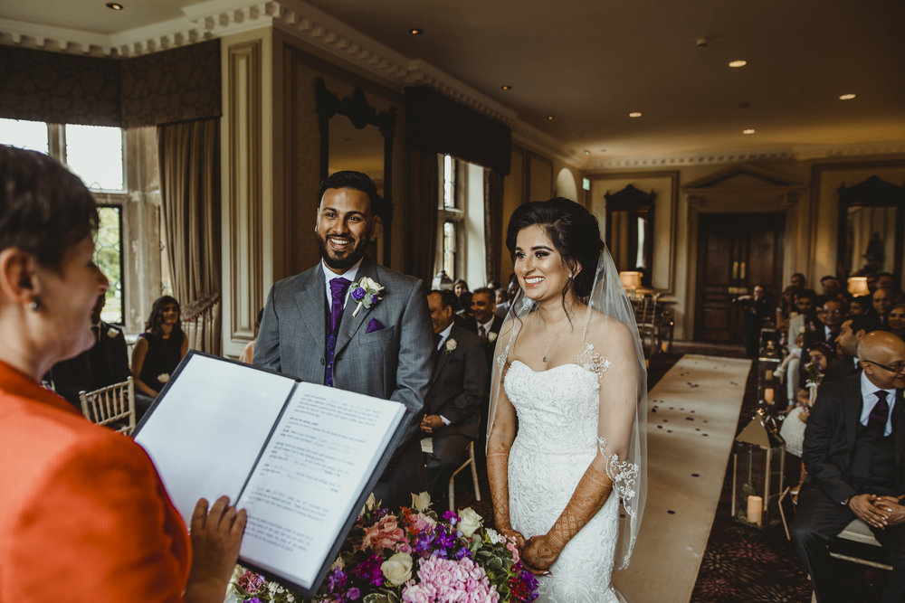 N&J_MILTON_KEYNES_WEDDING_LONDON_PHOTOGRAPHER_ASIAN_WEDDING-356.JPG