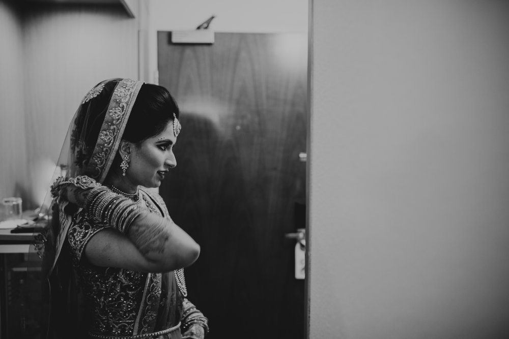 N&J_MILTON_KEYNES_WEDDING_LONDON_PHOTOGRAPHER_ASIAN_WEDDING-107.JPG