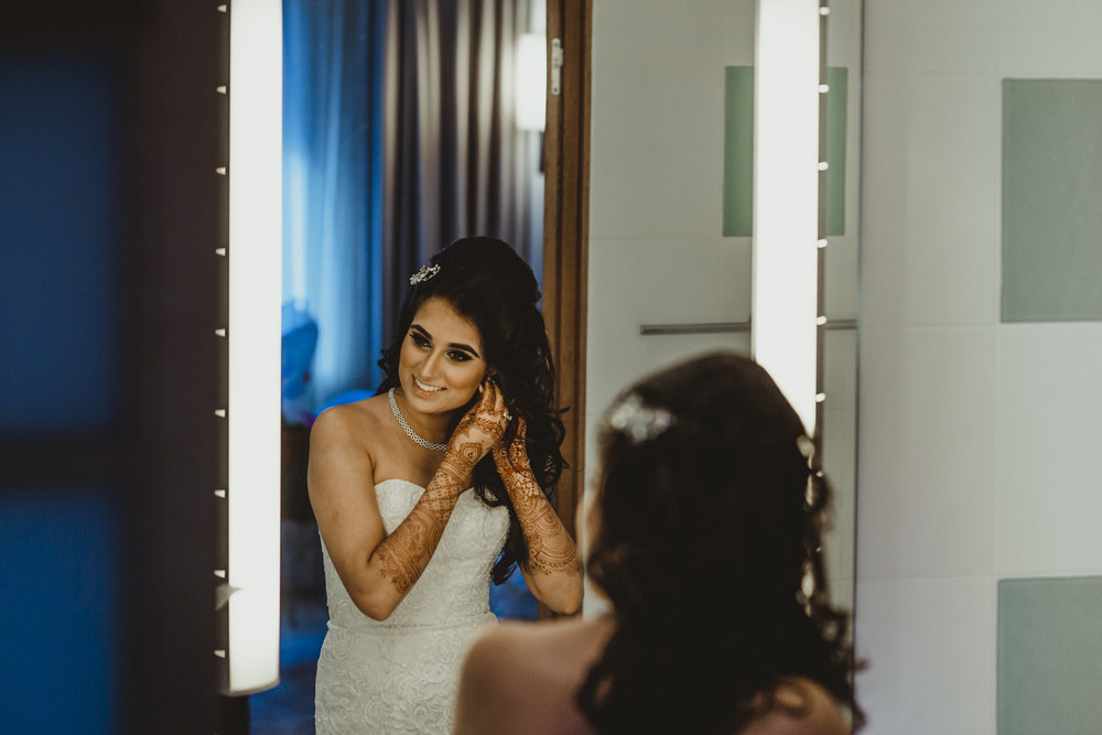 N&J_MILTON_KEYNES_WEDDING_LONDON_PHOTOGRAPHER_ASIAN_WEDDING-881.JPG