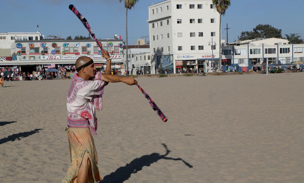 Venice_DrumCircle_Juggler.jpg