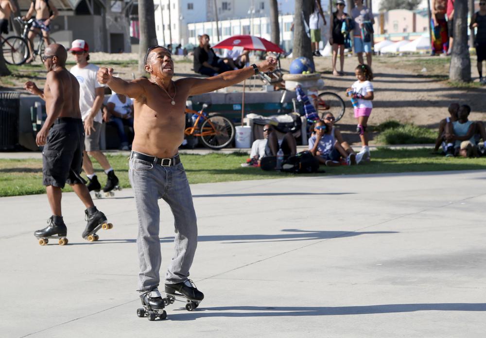 Venice_RollerSkater_DancingMan.jpg