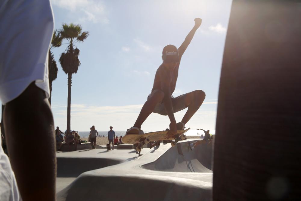 Venice_SkaterAir_Sandwhiched.jpg