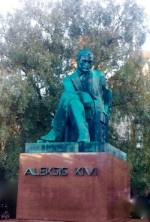 Aleksis Kiven patsas, Helsinki, Rautatientori