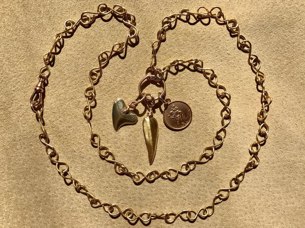 18ct Infinity Link Chain Neckalce by Tara Turner.jpg