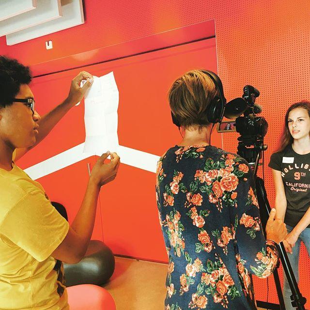 YoungReporterz over leren in samenhang en wat dat van hen vraagt. #WiserFilm #onderwijs2032 #Laks #Vathorstcollege Doordebrilvandeleerling