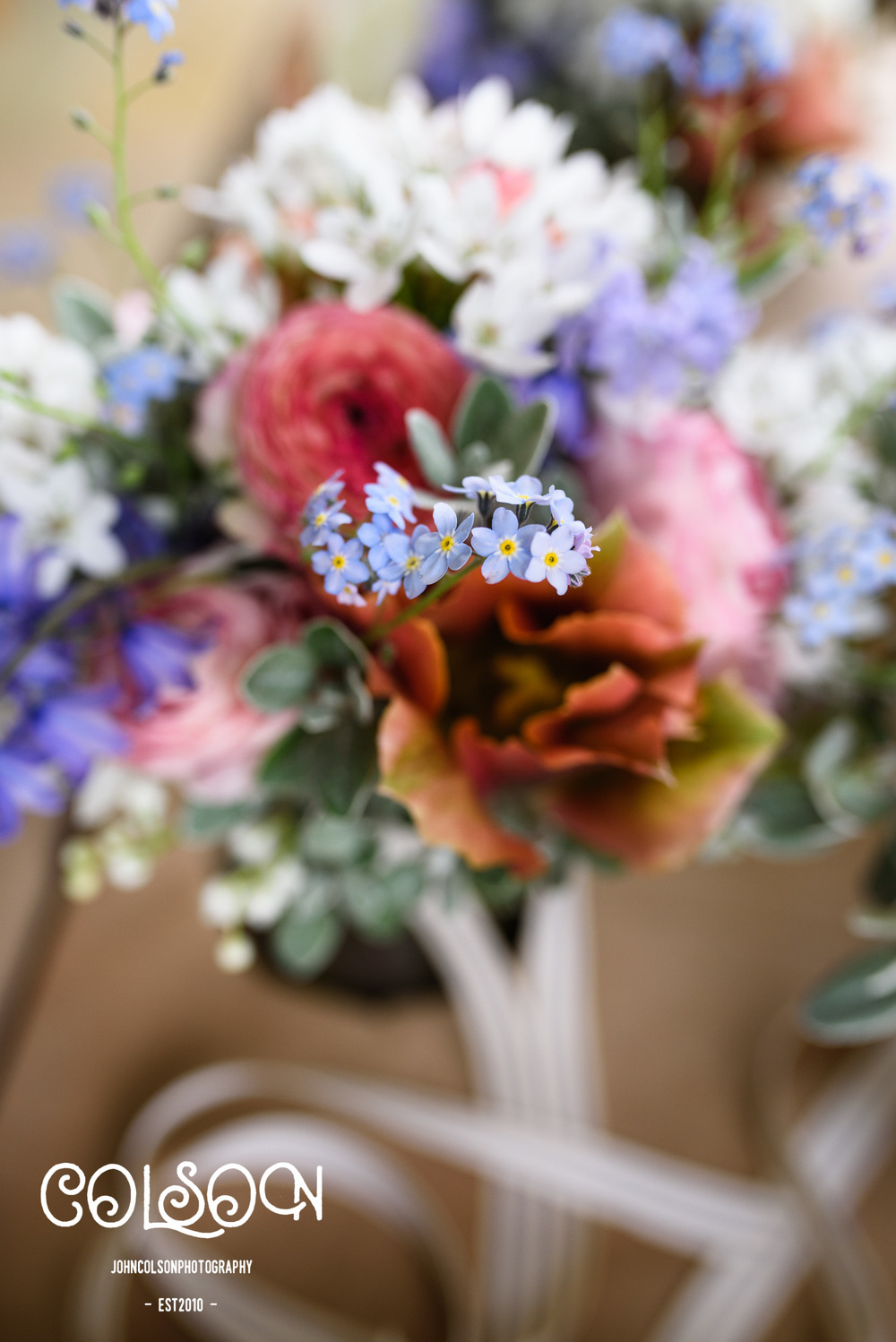 Beautiful wedding flowers at a Leicestershire wedding.
