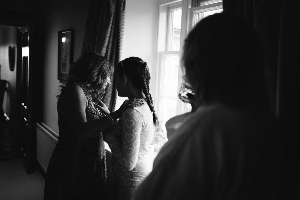 Dewsall Court Wedding Photographer-8.jpg