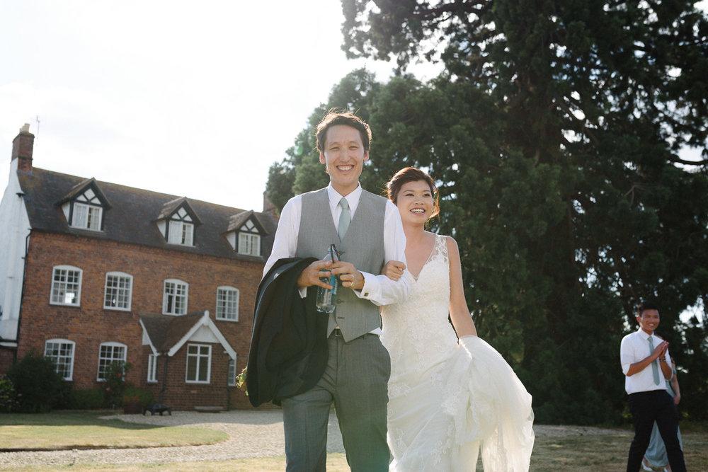 Wedding Photographer in Broadway Worcestershire-111.jpg