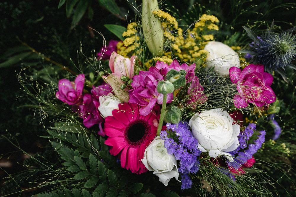 Mythe Barn Wedding Photographer-15.jpg