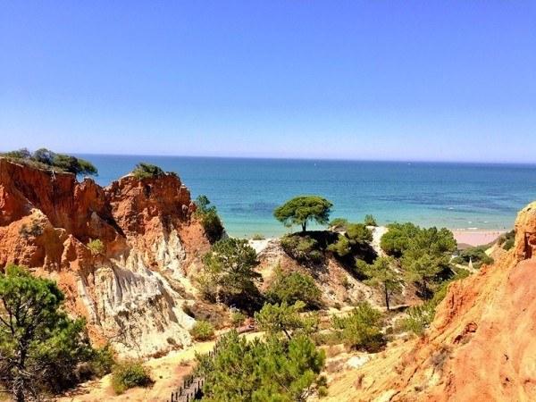 1-pine-cliffs-hotel-sheraton-algarve-portugal-luxury-collection-hotel-sovereign-luxury-cliffs-600x450.jpg