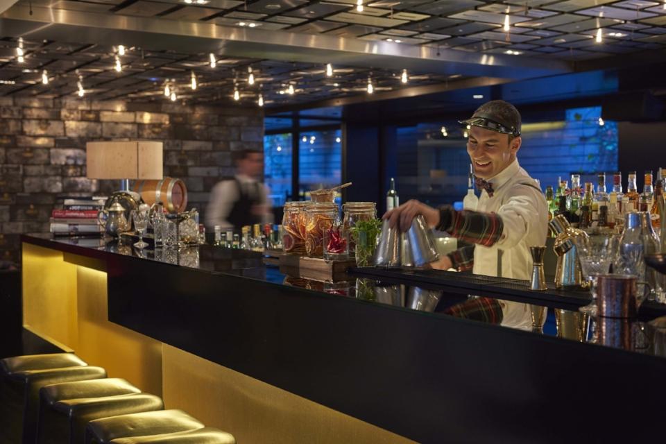 Image courtesy of the Banker's Bar (Mandarin Oriental)