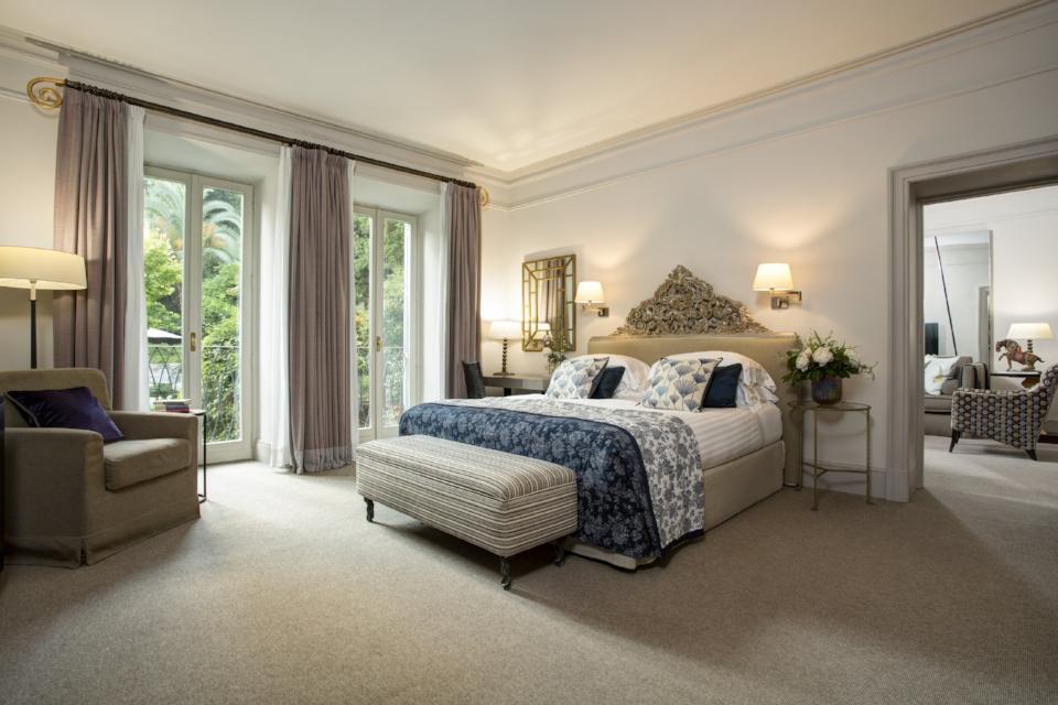 Hi_DER_88112891_Bedroom_-_Classic_Suite.jpg
