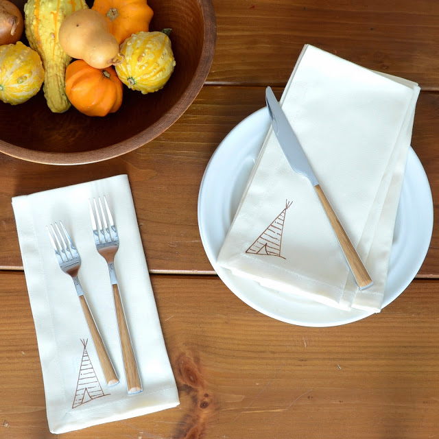 Anthropologie+Inspired+DIY+Tee-Pee+Napkin+(1).JPG