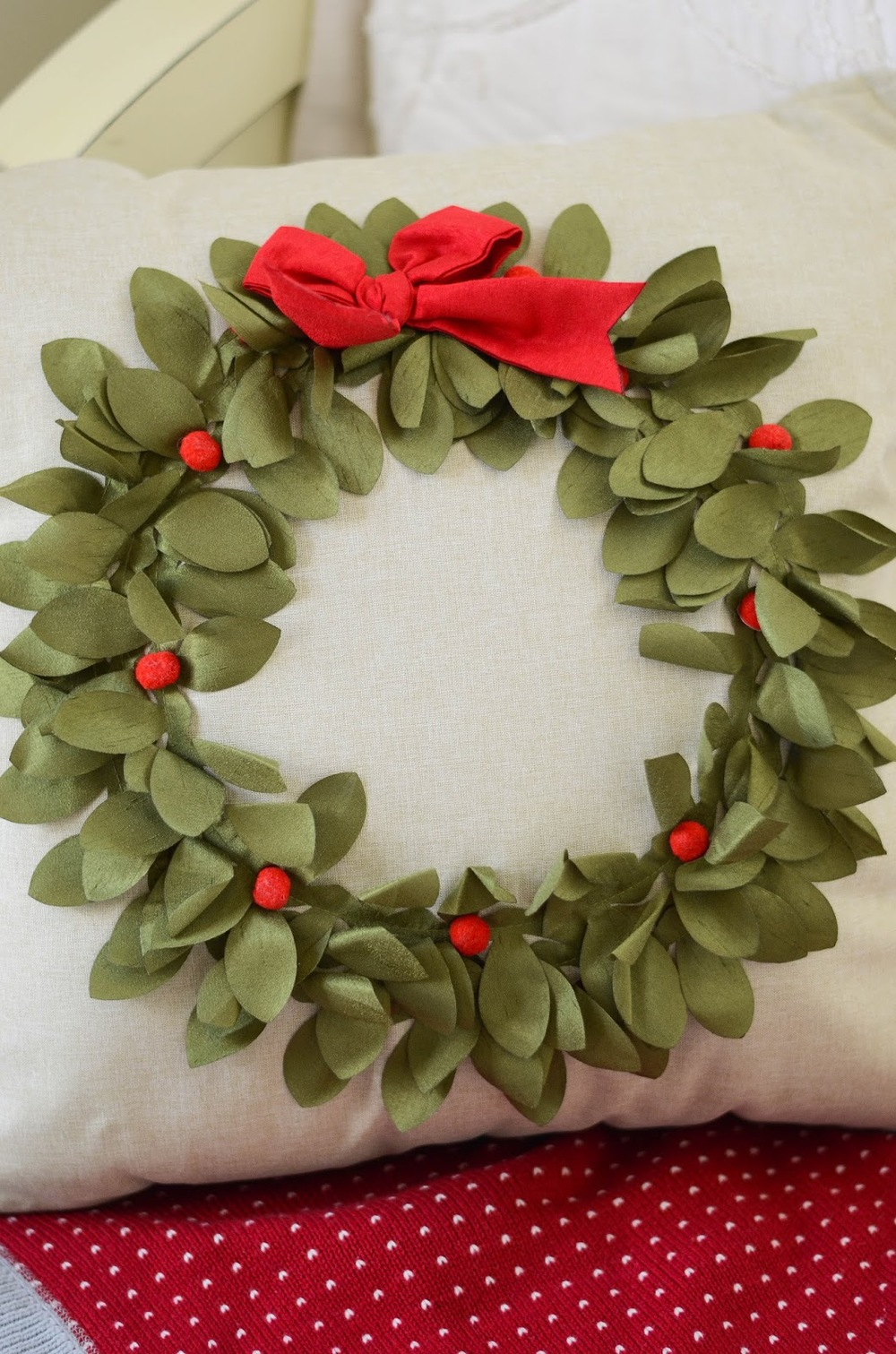 Wreath%2BPillow%2B(1).jpg
