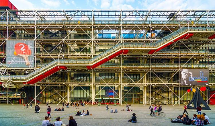 Ellen-Carey_Centre-Pompidou.jpg