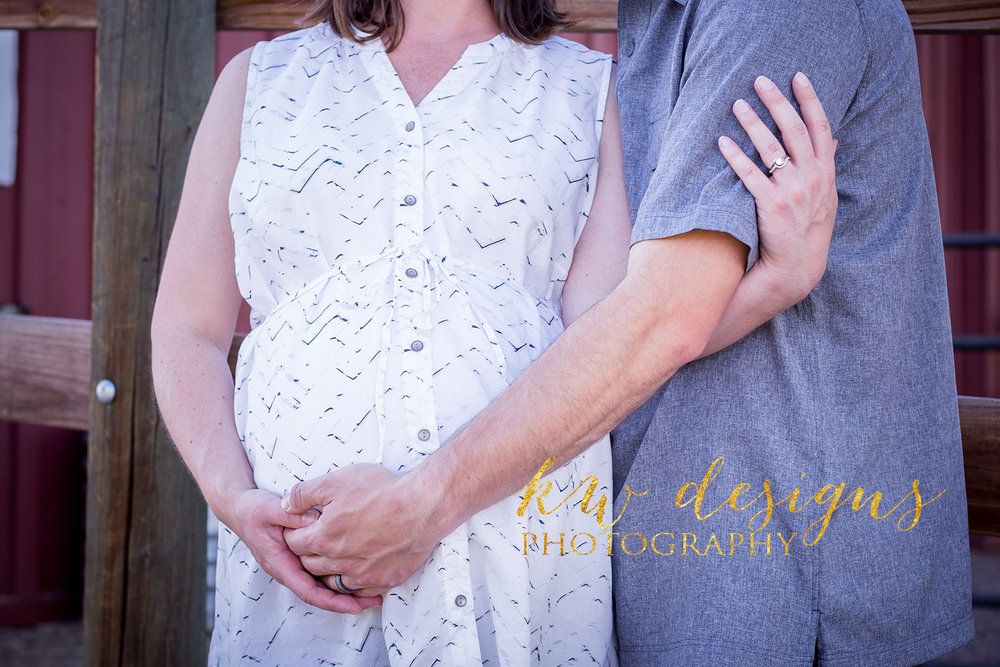 WEB Sonderby Family Maternity Session-15.jpg