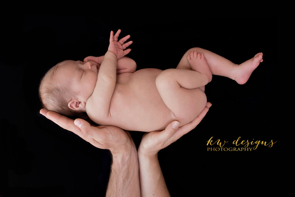 PRINT CANVAS Amelia Newborn Hands-1 copy.jpg
