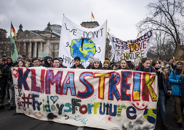 Poland Climate Strike (Credit: Mike Schmidt / Greenpeace, Flickr, CC 2.0)