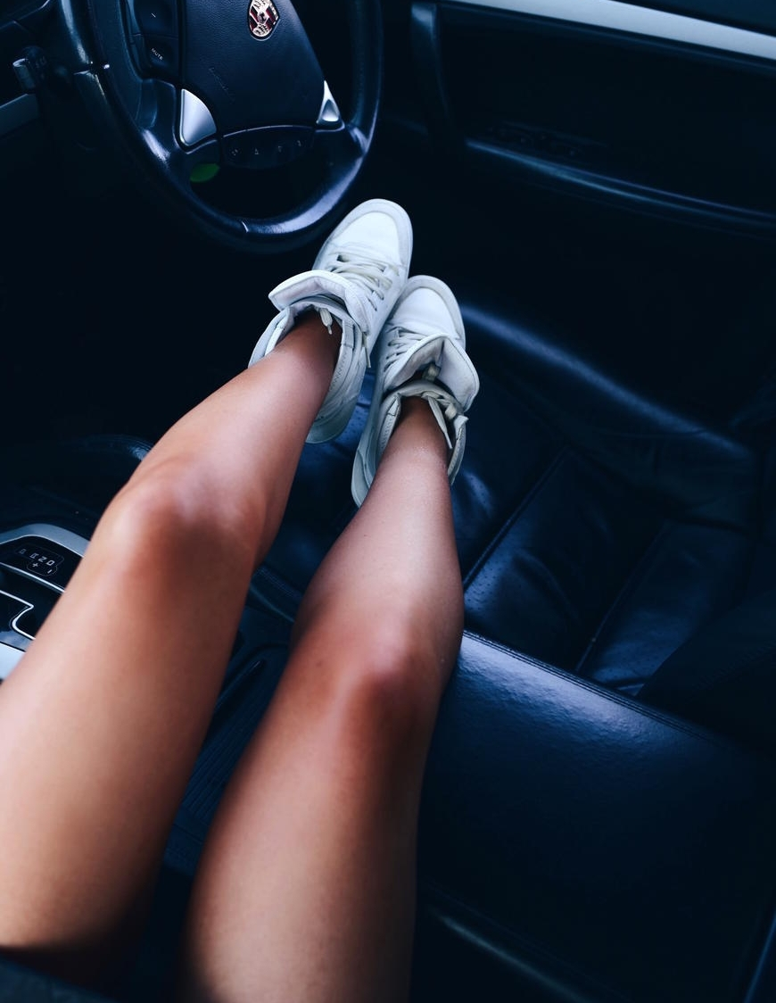 car selfie from Lorna Luxe / Lorna Andrews