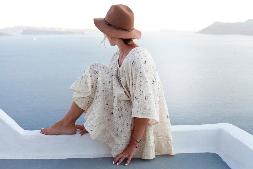 Rachel_Garahan_Santorini.jpg