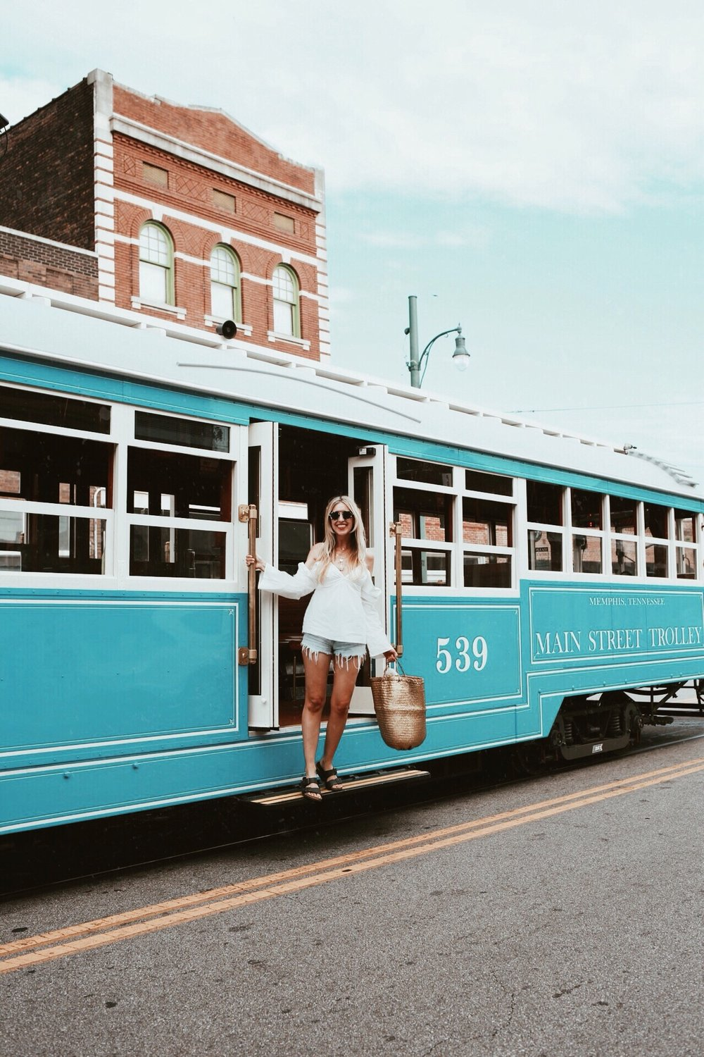 The Trolly Memphis / Oui We