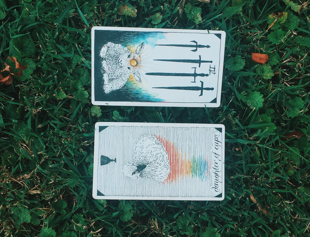 Oui We august tarot spread