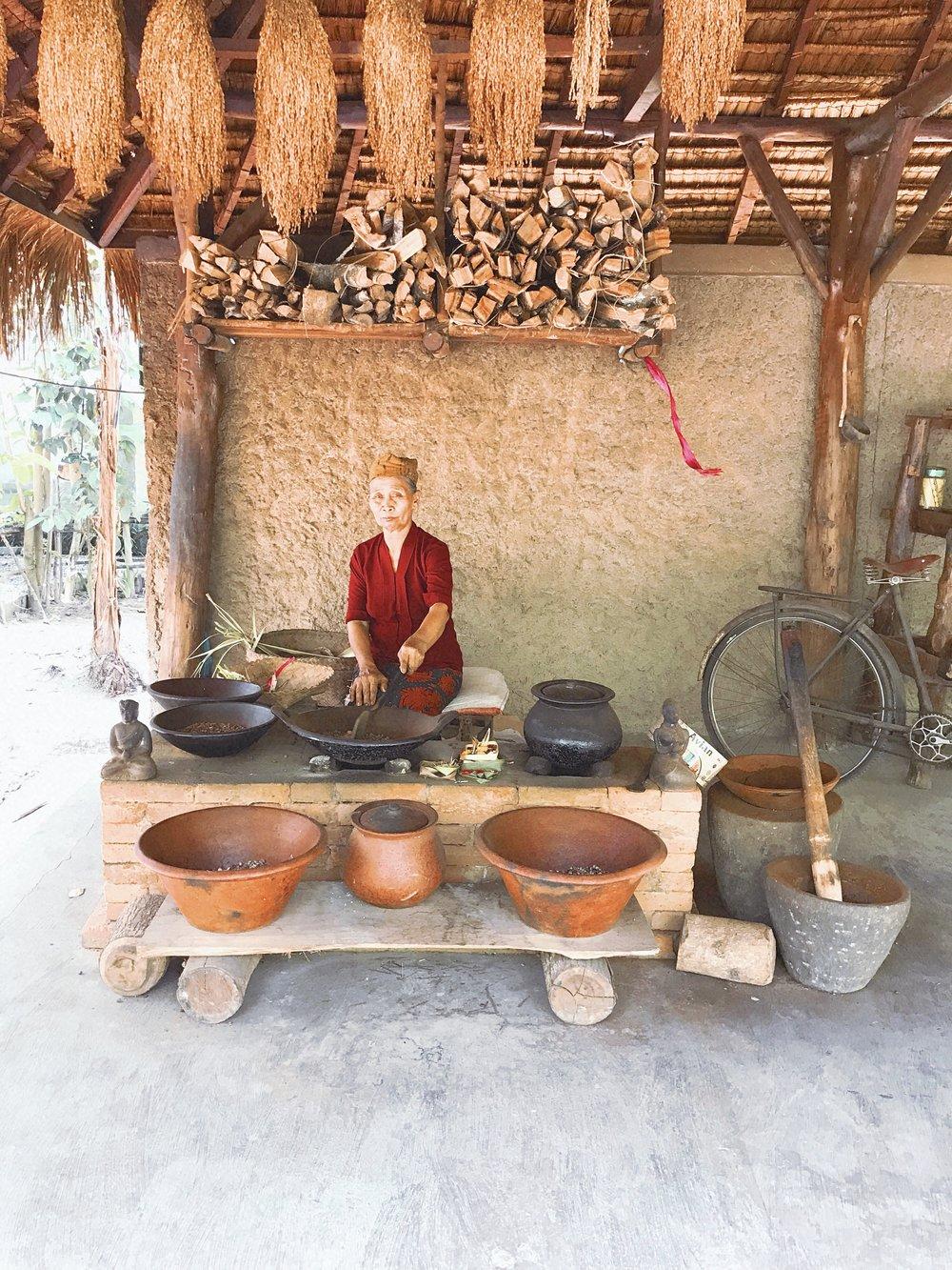 Coffee Plantation Tour || Ouiwegirl.com