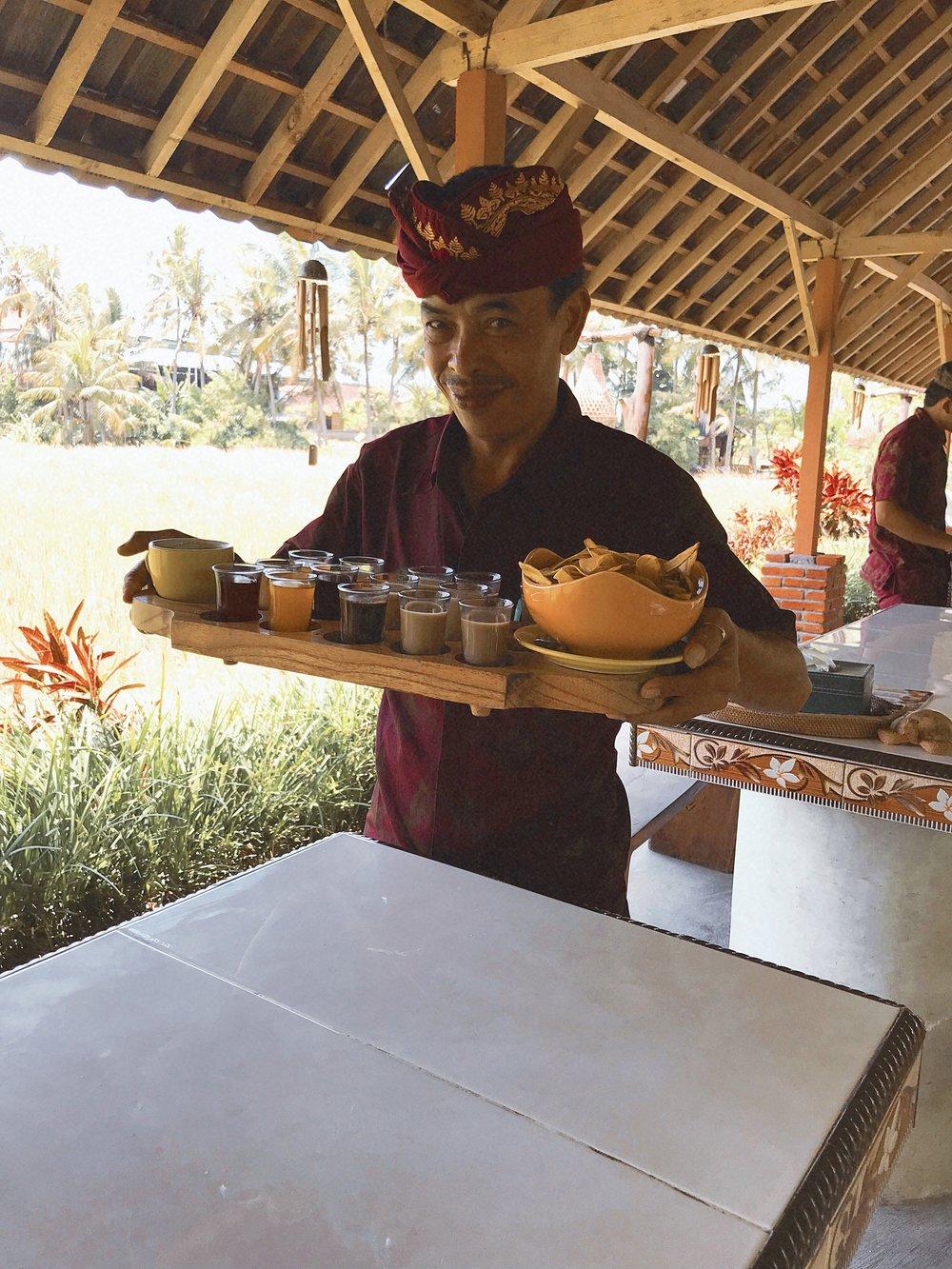 Coffee Plantation visit || ouiwegirl.com