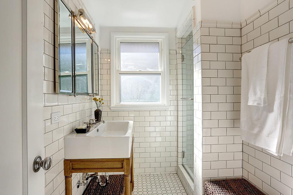 Nice 14 Bath Main Floor 1