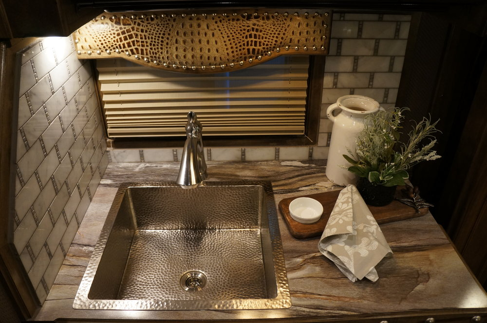Nickel Square Sink with Stainless Pull-Out Faucet