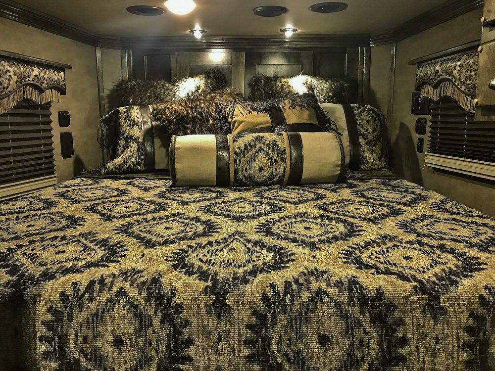 Custom Comforter Set 4