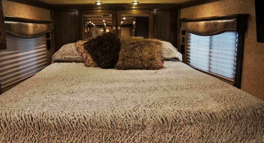 Standard Comforter Set