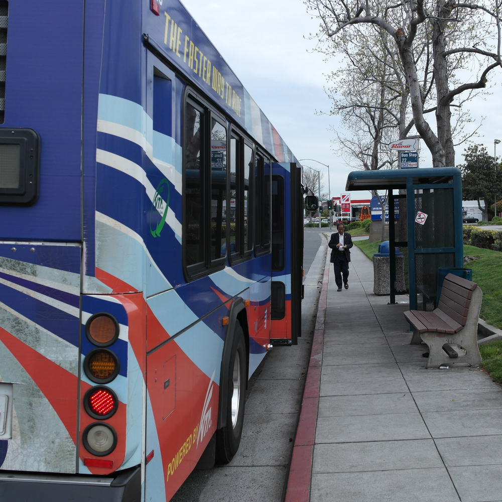 VTA bus 522 stops on the Western Node.