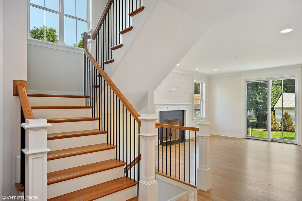 10_103northpineavenue_68_Staircase_HiRes.jpg