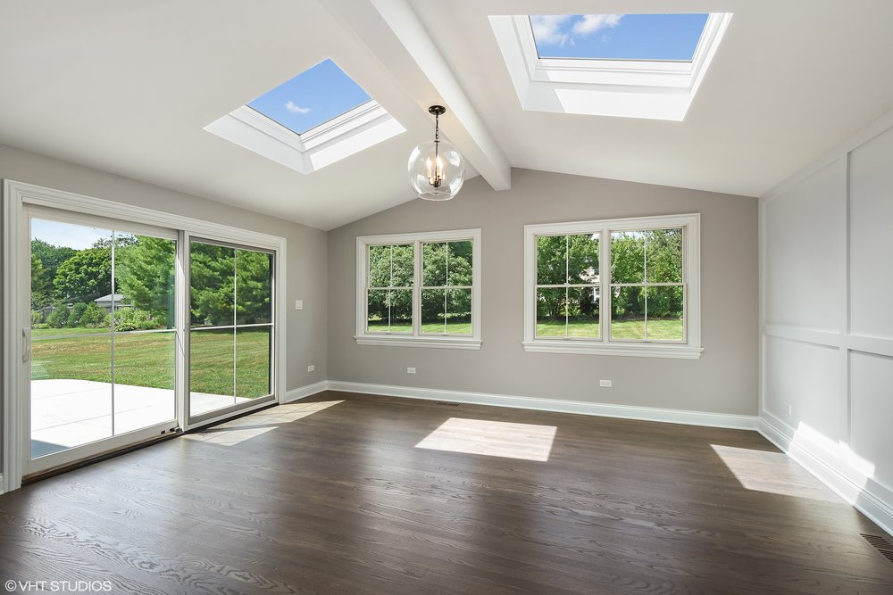 10_440WestShadyLane_97_SunRoom_HiRes.jpg