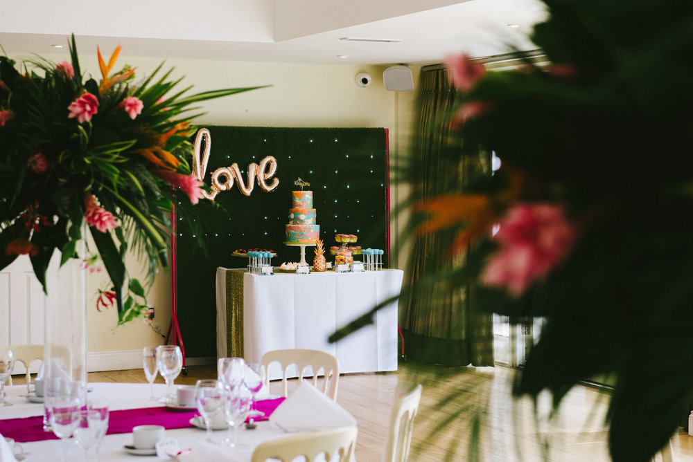 Tropical Luxe Wedding Cake table