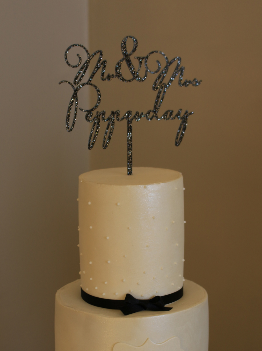 Charlotte & Aaron wedding cake close up