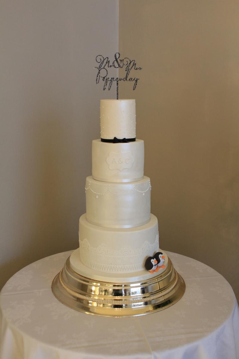 charlotte and aaron wedding cake