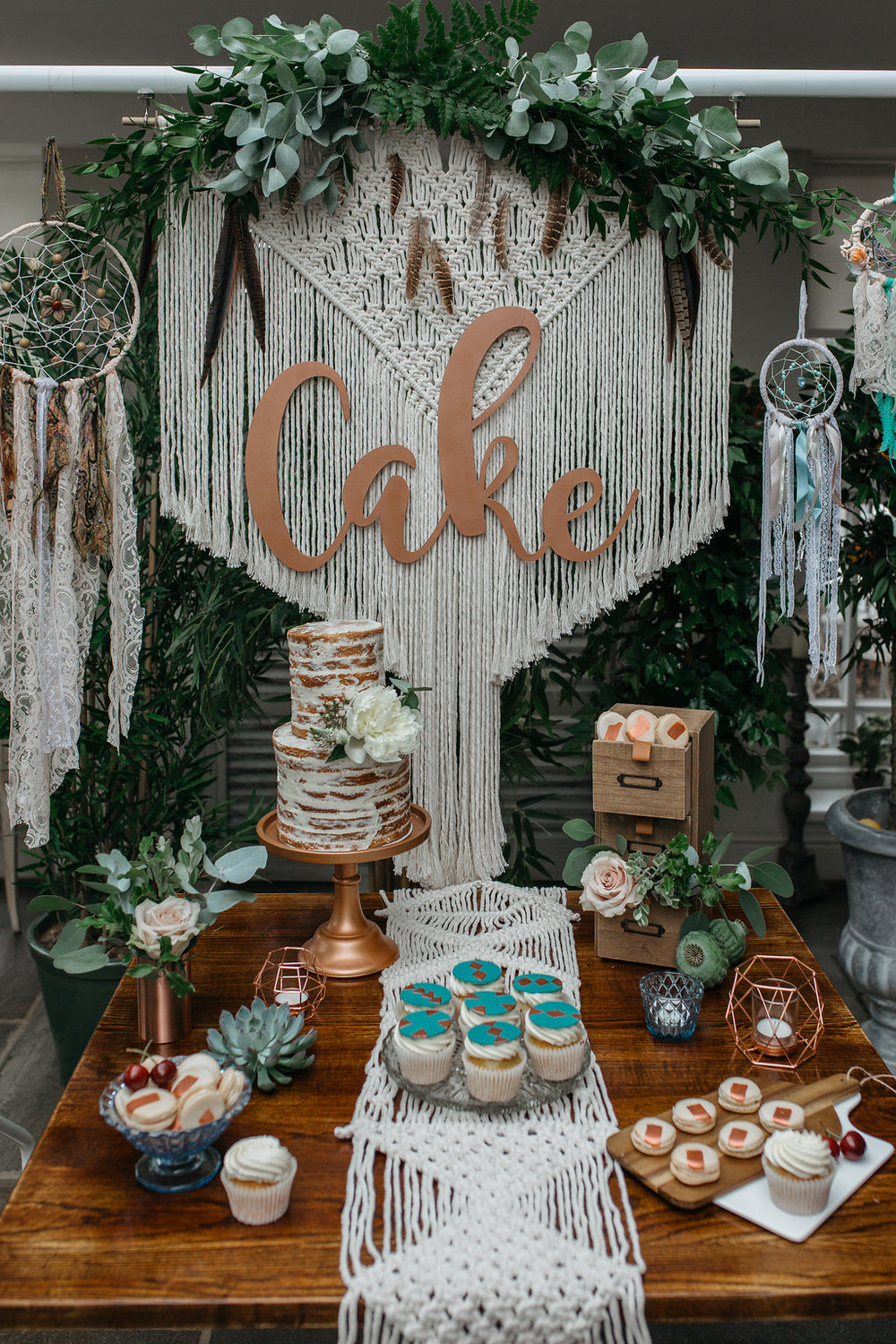 Boho botanical wedding cake table | The Sweet Stuff