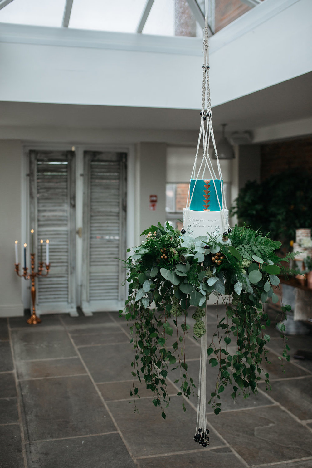 Boho botanical wedding plant hanger suspended cake | The Sweet Stuff